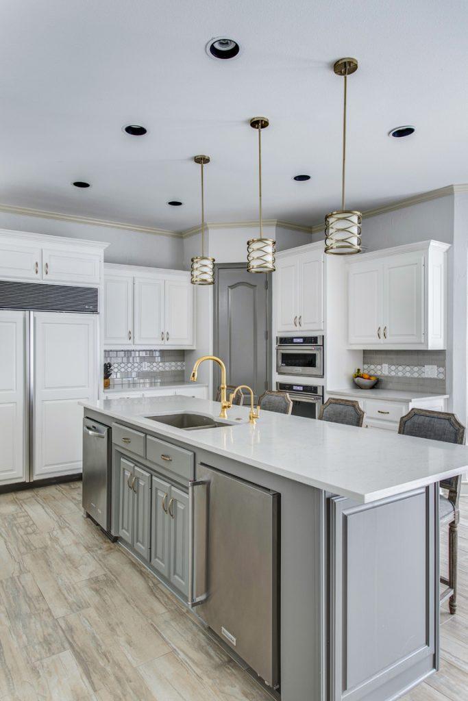 kitchen island-white kitchen