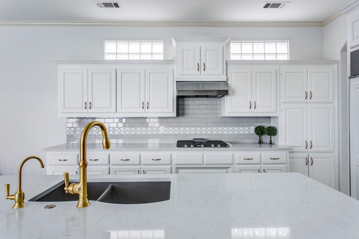 How To Select A New Kitchen Faucet Snappy Kitchens - New kitchen faucet