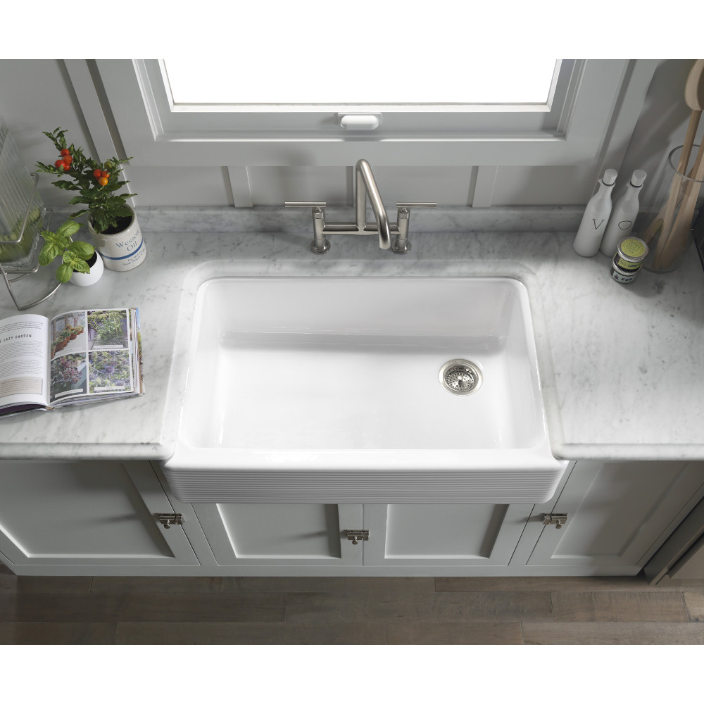 farmhouse sink in a dallas kitchen